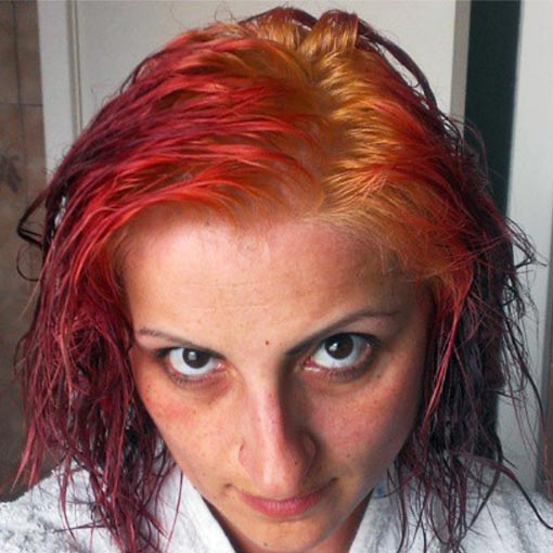 hair turning red when bleached