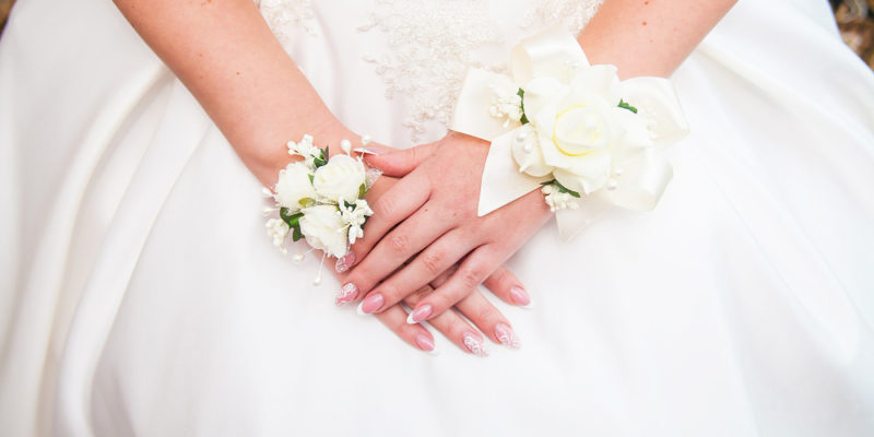 nail designs to try at a wedding