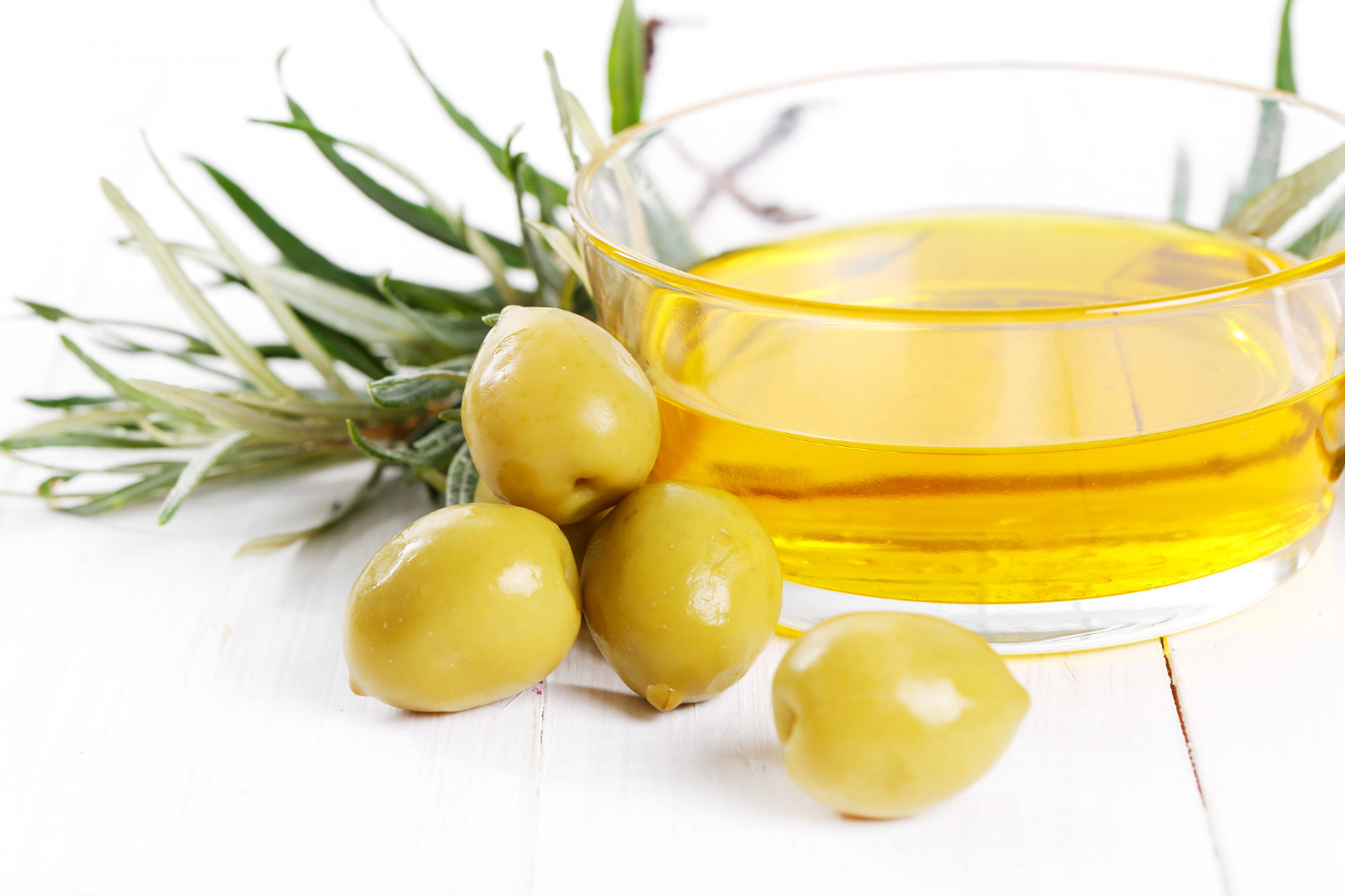 does olive oil fade hair color